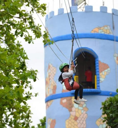 Flying Fox Kidsfun parcs. Ig @kids_fun_yogyakarta